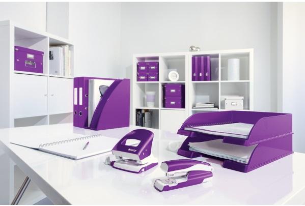 Descriere Capsator metalic de birou, pentru maxim 30 coli, capse 24/6, mov metalizat, LEITZ 5502 NeXXt Series