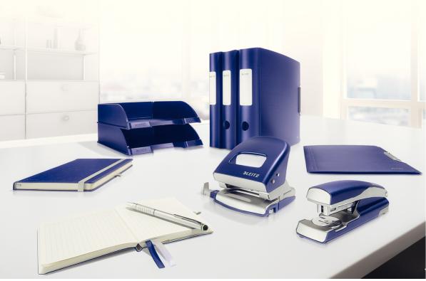 Descriere Capsator metalic de birou, pentru maxim 30 coli, capse 24/6, albastru, LEITZ STYLE 5562